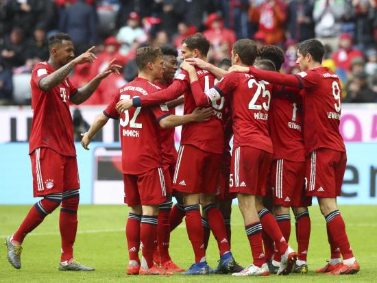 Bayern edge closer to Bundesliga title with victory over 10-man Hannover