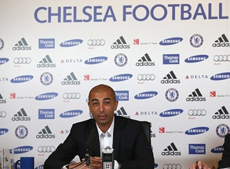 Di Matteo hints at continuing Chelsea tactics that won the Champions League