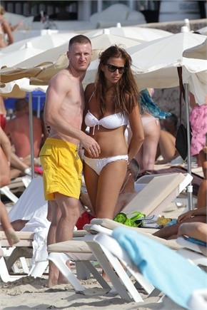 Ignazio Abate goes to the seaside for a holiday
