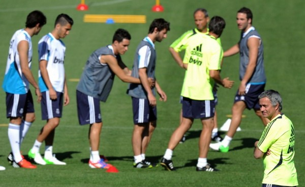 Real Madrid goes into training