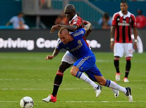 Napoli eye move for Chelsea's £8m-rated midfielder Meireles