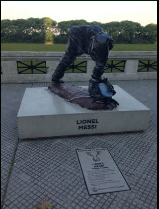 Messi statue vandalised in Buenos Aires