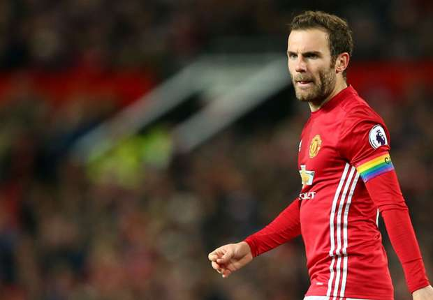 Manchester United 2-0 Hull City: Mata and Fellaini seal Red Devils win