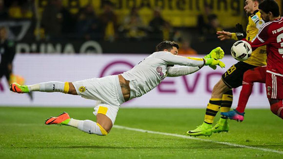 Borussia Dortmund 1 - 0 FC Ingolstadt 04: Aubameyang's 30th goal of the season sees Dortmund home