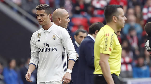 Cristiano Ronaldo after substitution: Why me? F*** off