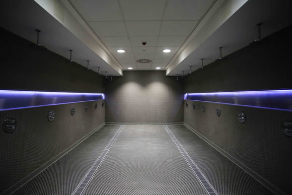 Manchester City show off new luxurious changing facilities