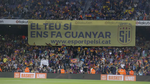 Pro-Catalan independence banner unveiled at the Camp Nou