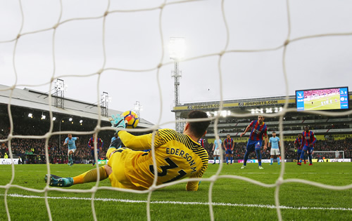 Crystal Palace 0 - 0 Manchester City: Manchester City's winning run ended by Crystal Palace stalemate