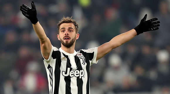 Juventus 'pianist' Pjanic turned down Spurs and Arsenal