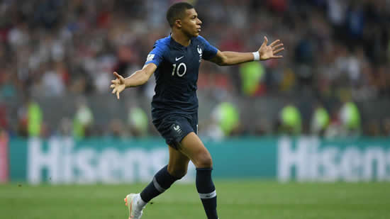 Mbappe coping well with new status, says Lloris