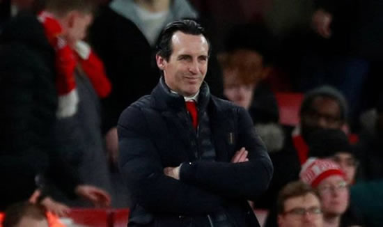 Mesut Ozil: Arsenal boss Unai Emery refuses to answer transfer question after Spurs defeat