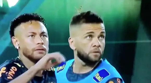Hilarious Video Of Neymar Flicking Giant Bug Off Dani Alves' Head Goes Viral
