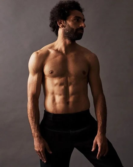 Mo Salah works out at 2:40am at home as Liverpool star does pull-ups to keep physique in amazing shape during lockdown