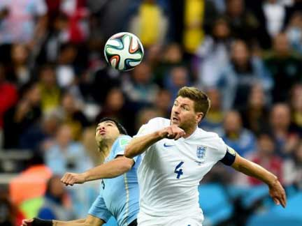 Uruguay 2 : 1 England