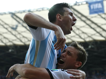 Messi secures last-gasp win