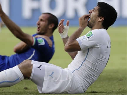 WORLD CUP - Italy 0 : 1 Uruguay