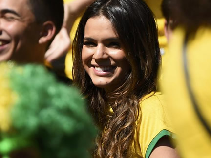 Meet Neymar's girlfriend Bruna Marquezine
