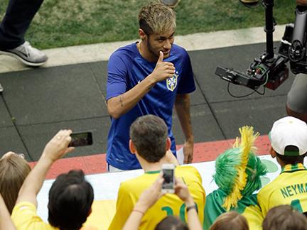 Brazil v Holland – in pictures