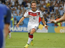 Gotze gifts World Cup to Germany