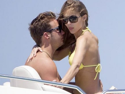 Gotze drops his underwear with girlfriend in Ibiza