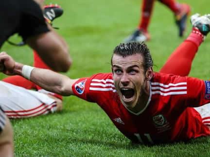 EURO Quarter-final: Wales 3-1 Belgium
